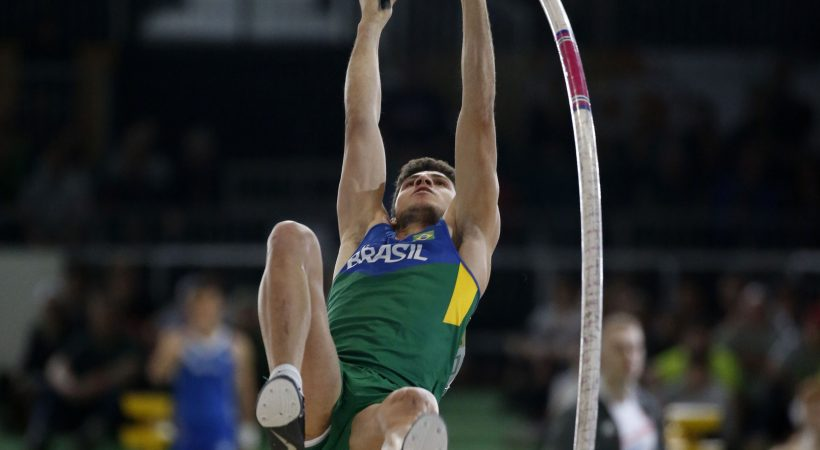 Thiago Da Silva of Brazil competes in the men's pole vault event during the IAAF World Indoor Athletics Championships in Portland, Oregon March 17, 2016. REUTERS/Lucy Nicholson